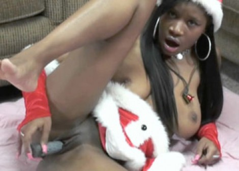 Mercy Starr gets naughty for Christmas